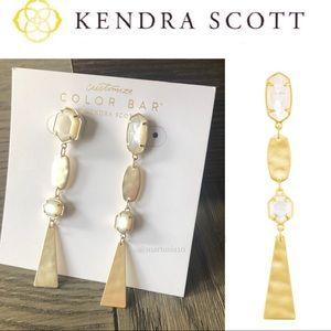 KENDRA SCOTT NADIA IVORY PEARL GOLD EARRINGS